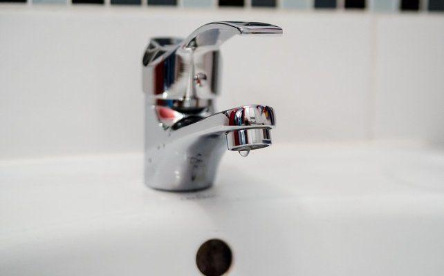 Отпушване на мивката чрез разглобяване