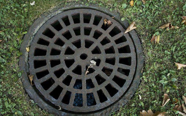 Почистване на канали, тоалетни и сифони