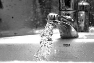 Защо има миризма от канализацията и как да се справим с нея